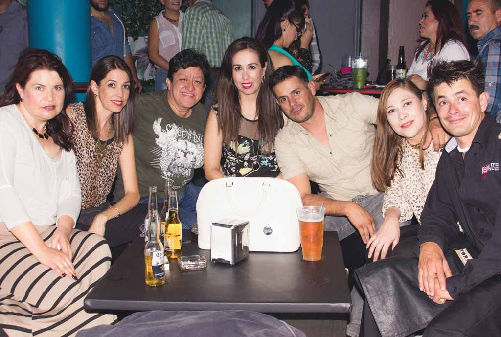 Galeria Noche Retro en Elite Sushi Bar